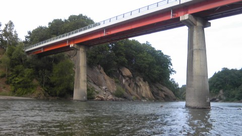 カムイコタン橋下